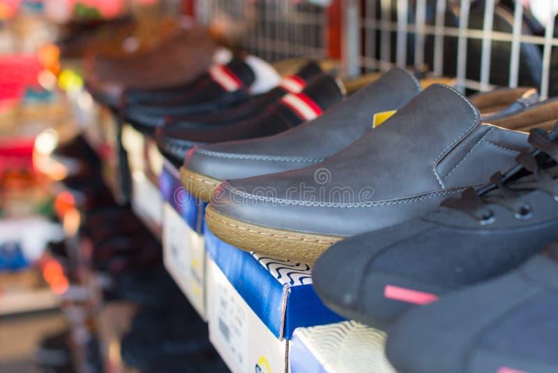 Många typer av skor royaltyfri bild