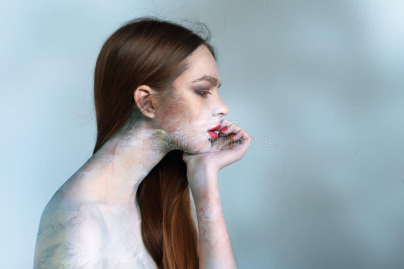 Mångfärgad modell på huden fotografering för bildbyråer