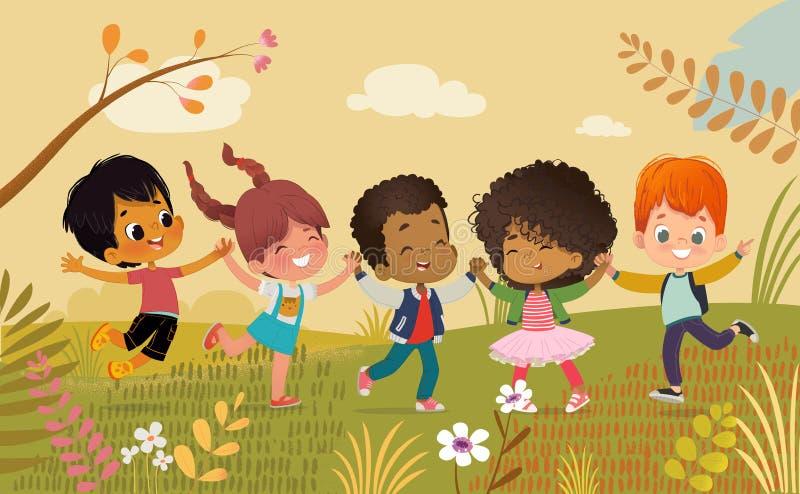 Mångkulturella pojkar och flickor som rymmer händer och lyckligt hopp Ungar spelar outdors Färgrika blommor och träd på royaltyfri illustrationer