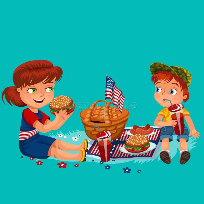 Mère avec des enfants s'asseyant sur l'herbe en parc ou jardin, le panier de pique-nique avec la nourriture et les drapeaux améri illustration stock