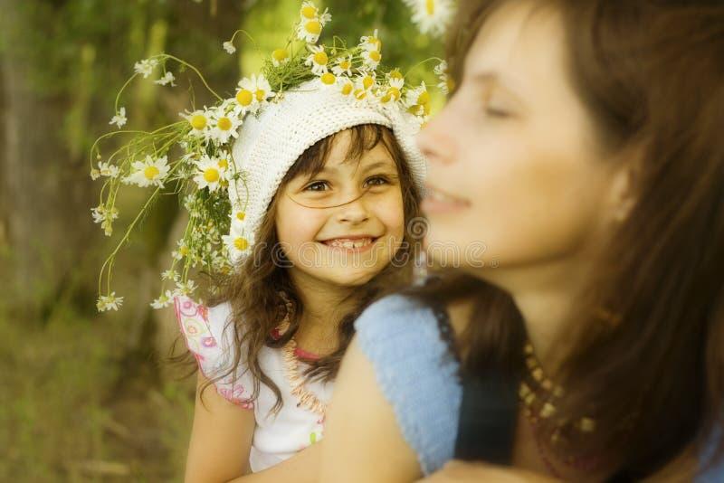 Mère avec le descendant photographie stock libre de droits