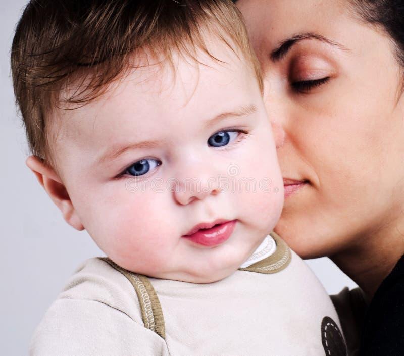 Mère et bébé affectueux photos libres de droits