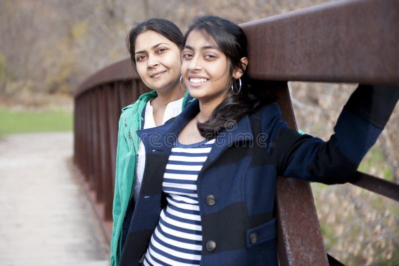 Mère et descendant indiens photos stock