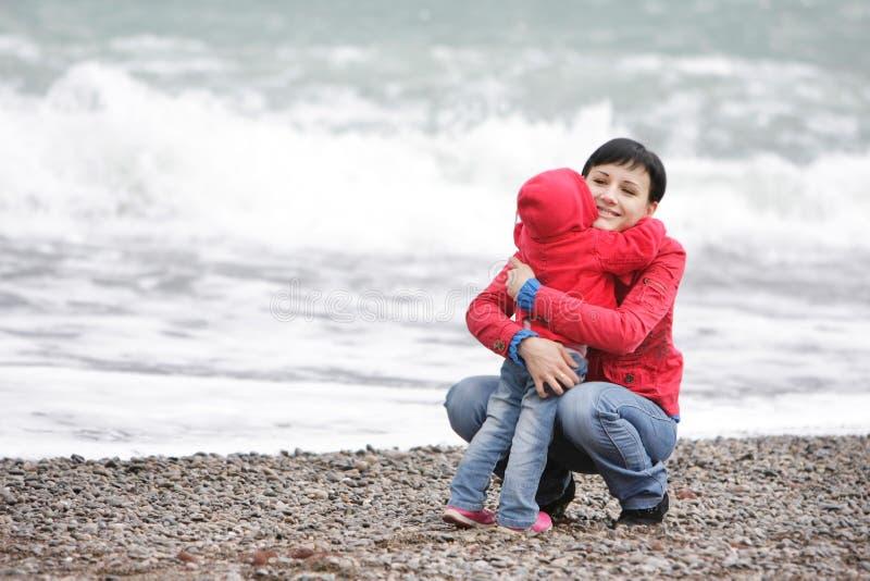 Mère et enfant affectueux photos libres de droits
