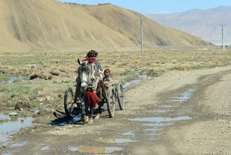 Mère et fils tibétains photo stock