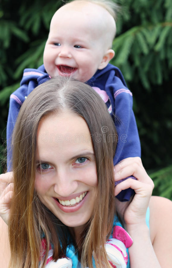 Mère et sa chéri photos libres de droits