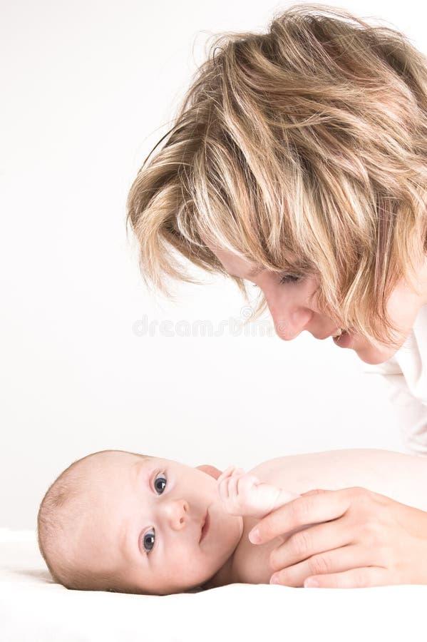 Mère et sa chéri photographie stock libre de droits