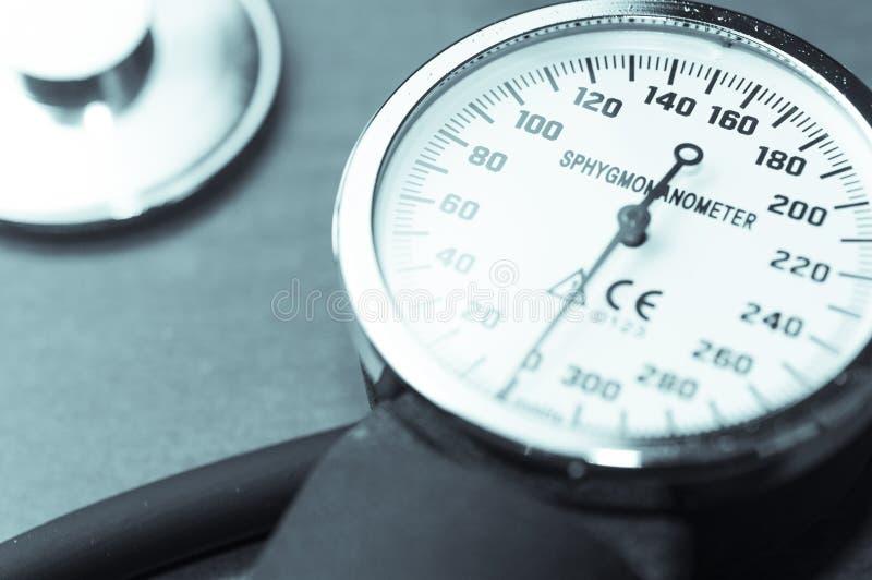 Mètre et stéthoscope de tension artérielle de Sphygmomanometer images libres de droits