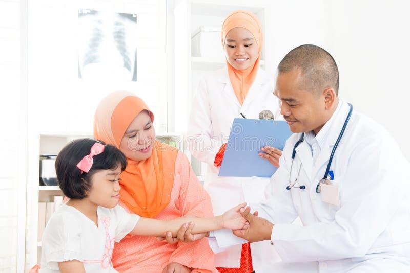 Médecin et patient photo libre de droits