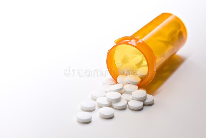 Médecine d'aspirine avec la bouteille photo libre de droits