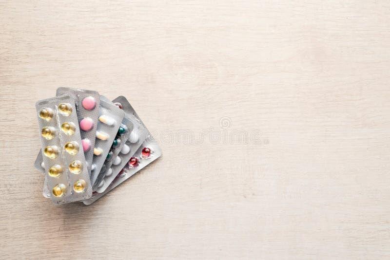 Médecine de pilules d'antibiotiques de pharmaceutiques fausse  photo libre de droits