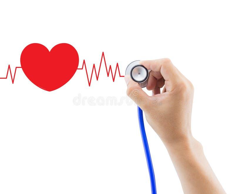 Médica, la mano que sostiene el estetoscopio para diagnostica el gráfico del corazón imagenes de archivo