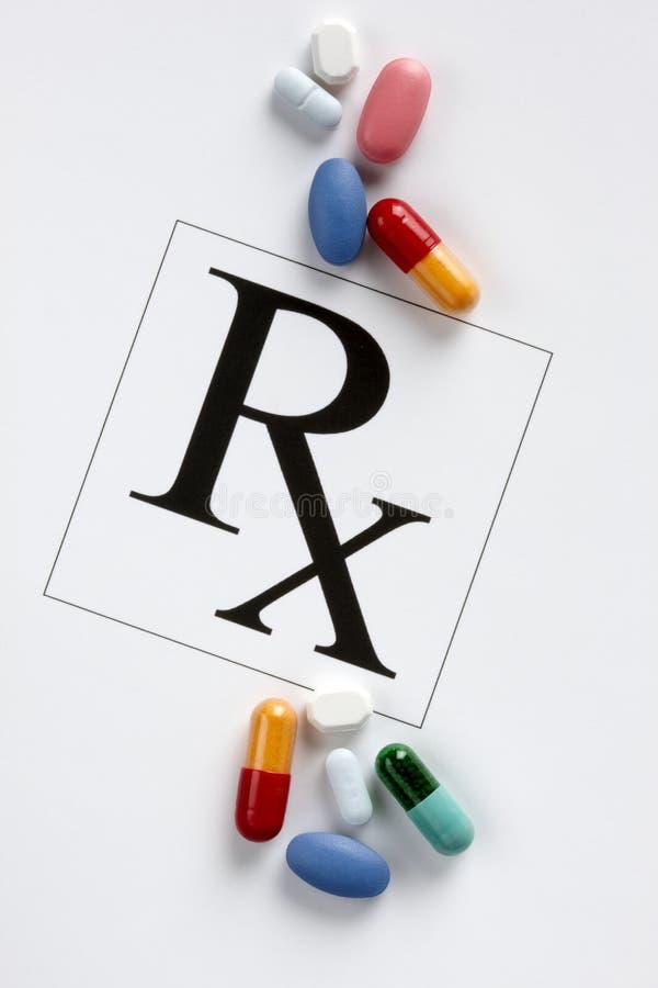 Médicaments délivrés sur ordonnance colorés photographie stock