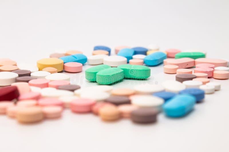 Médicaments sous forme de comprimés photos stock