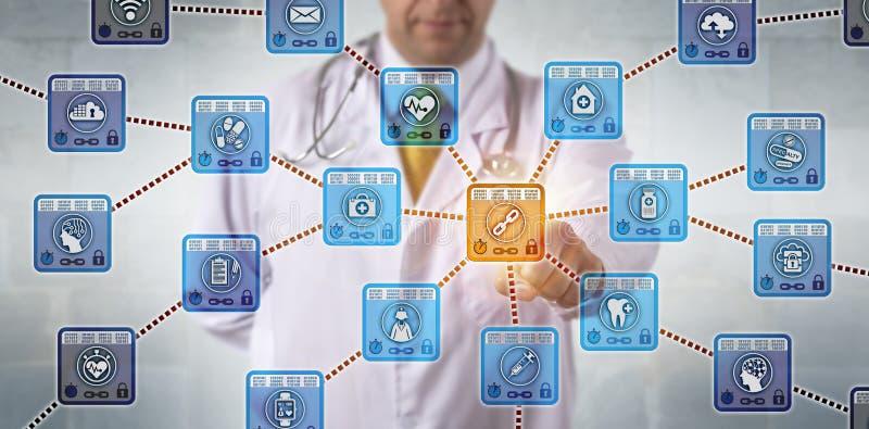 Médico Activating Healthcare Blockchain App foto de stock