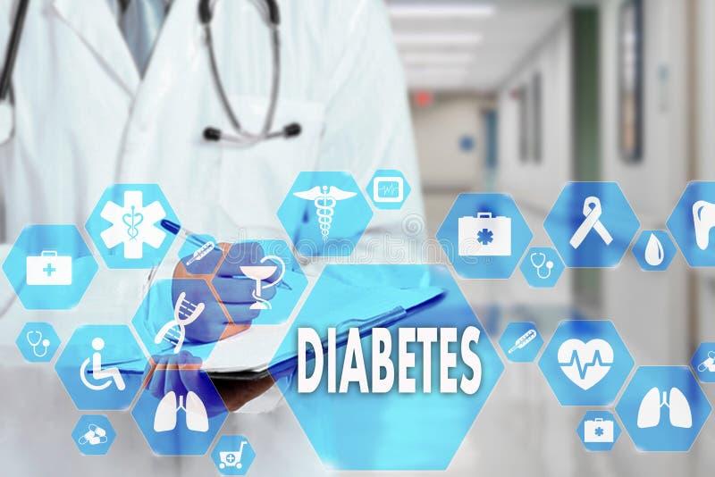 Médico con el estetoscopio y el icono de la diabetes en la conexión de red médica en la pantalla virtual en hospital imagen de archivo libre de regalías
