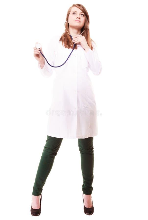 Médico Doctor de la mujer en capa del laboratorio con el estetoscopio fotografía de archivo