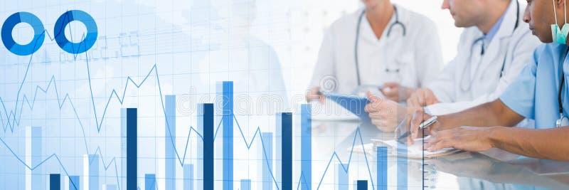 Médicos que tienen una reunión con las cartas y las figuras efecto de la transición de las estadísticas stock de ilustración