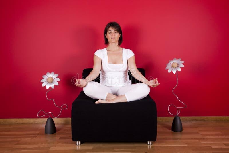 méditation d'intérieur image stock