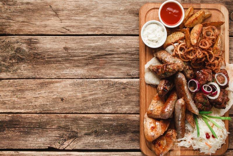Mélange de l'espace libre grillé savoureux délicieux de viande photos libres de droits