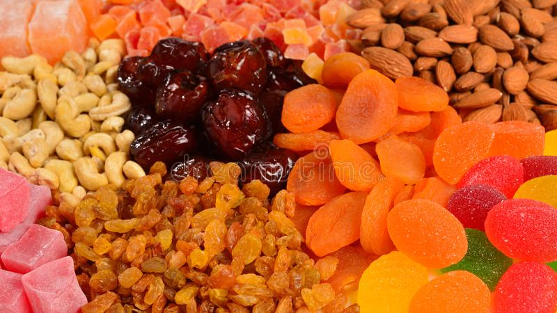 Mélange des écrous et du fond de fruit et doux sec de plaisirs turcs photo stock