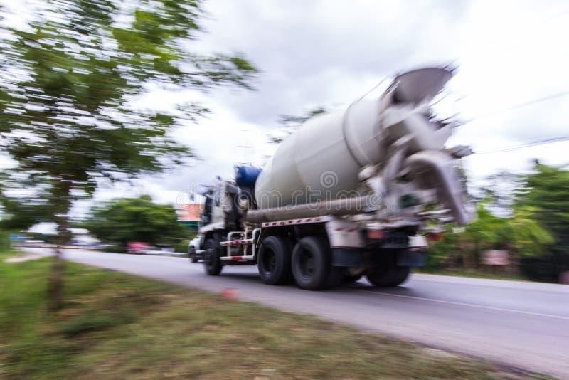Mélangeur concret de camion, filtrant l'appareil-photo photos libres de droits