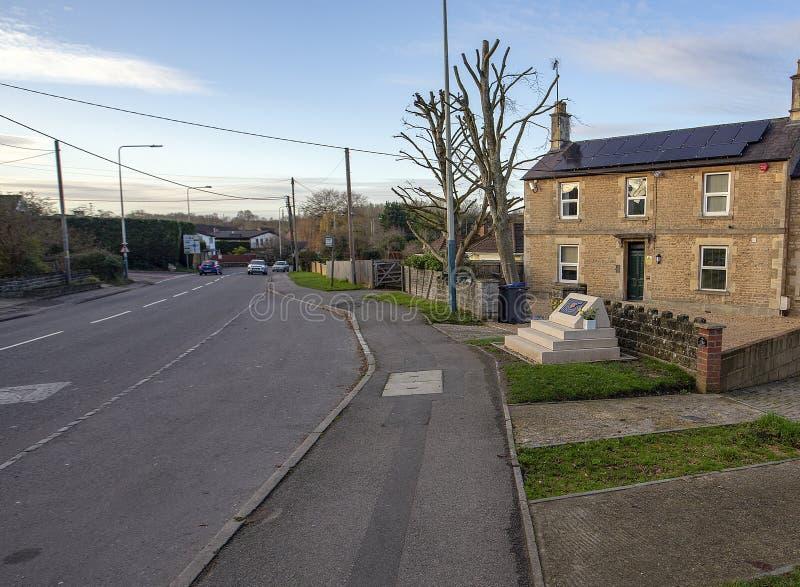 Mémorial à Eddie Cochrane dans Chippenham à côté de route image stock