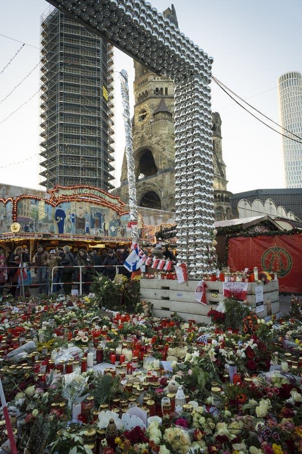 Mémorial au marché de Noël à l'église commémorative Berlin de Kaiser Wilhelm photo libre de droits