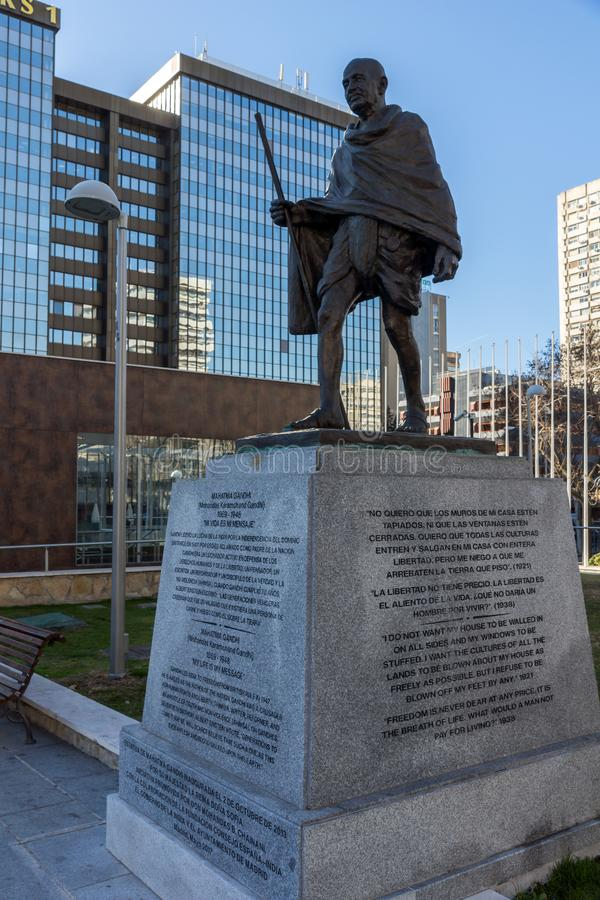Mémorial de Mahatma Gandhi à la rue de Paseo de la Castellana dans la ville de Madrid, Espagne photo libre de droits