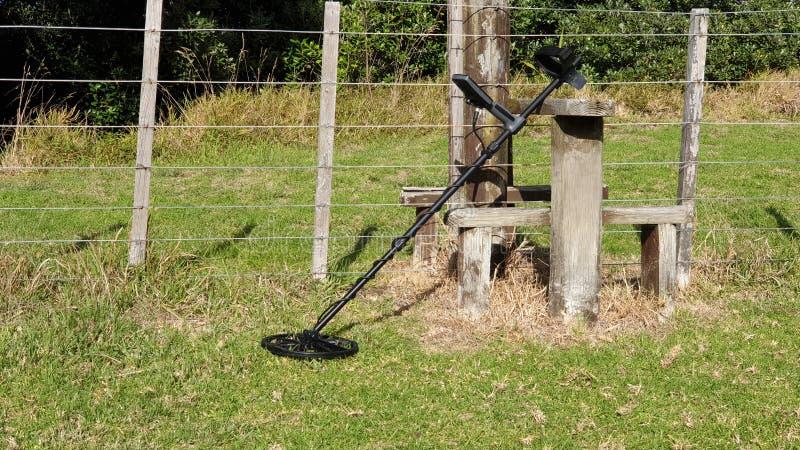 Métal détectant à une ferme photo libre de droits