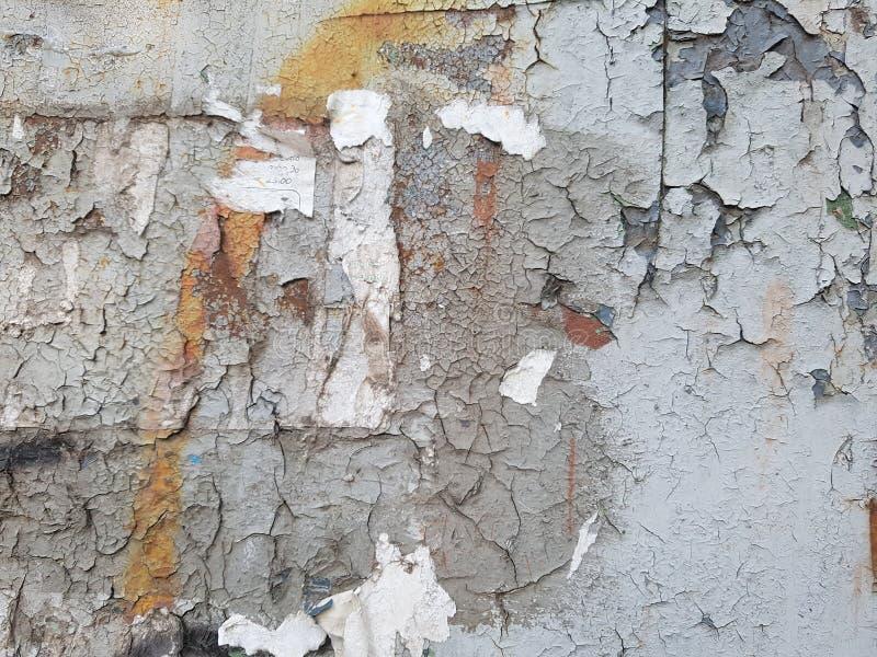Métal rouillé, couches de peinture de épluchage criquée photographie stock libre de droits