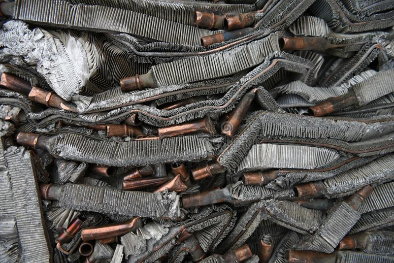 Métaux d'aluminium broyés, comprimés, broyés et débris de cuivre photo libre de droits