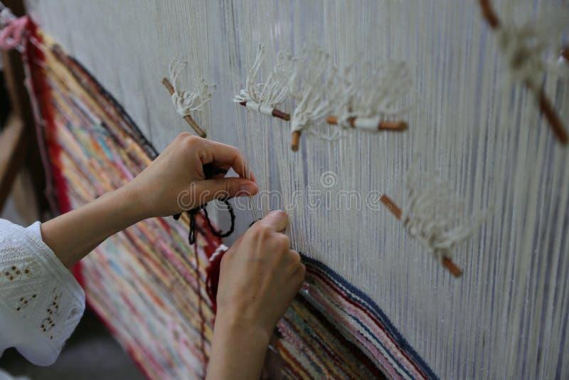 Métier à tisser de tissage traditionnel photographie stock