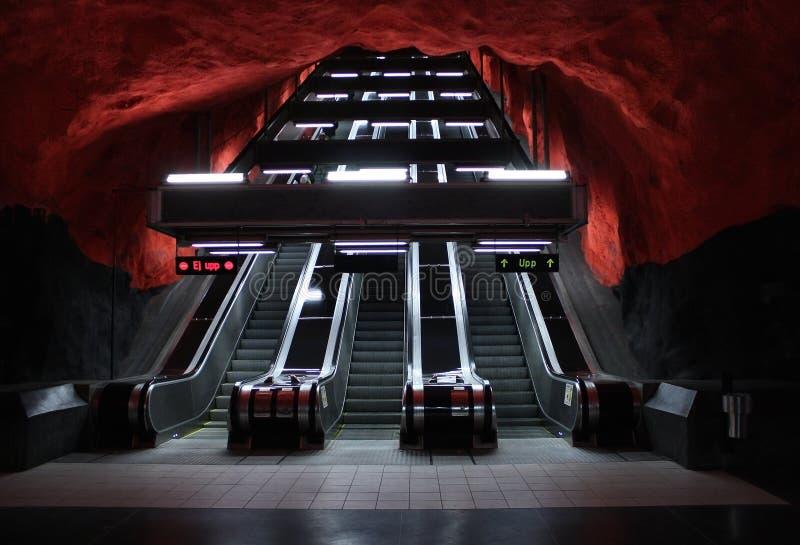 Métro de souterrain d'escaliers d'escalator photographie stock libre de droits