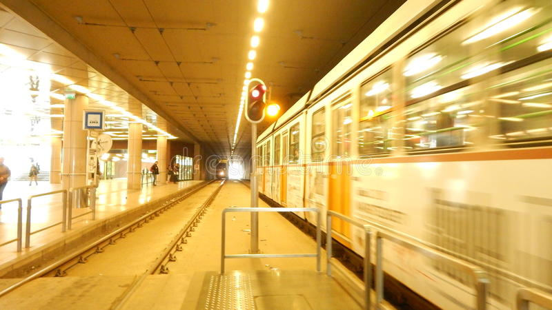 Download Métro hongroise photo stock éditorial. Image du métro - 87700873