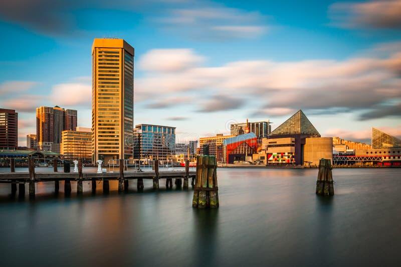 Même la longue exposition de l'horizon intérieur de port à Baltimore, photographie stock