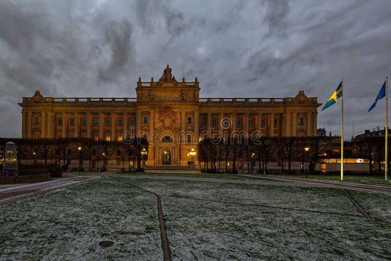 Même la vue d'hiver de l'aile est de Riksdagshuset 1905, bâtiment suédois du Parlement, Stockholm, Suède photo stock