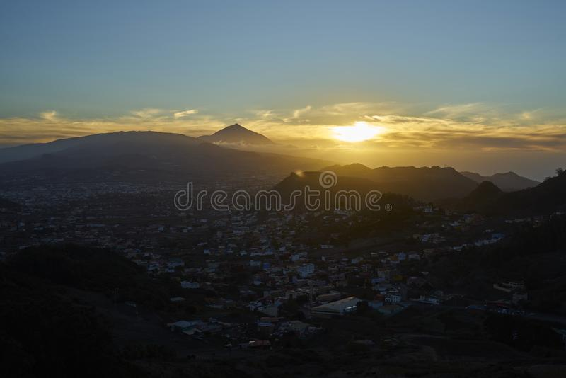Même la vue du volcan de Teide photographie stock libre de droits