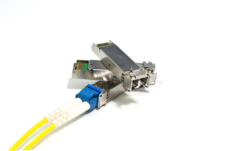 Módulo de SFP com cabo de remendo da fibra ótica fotos de stock