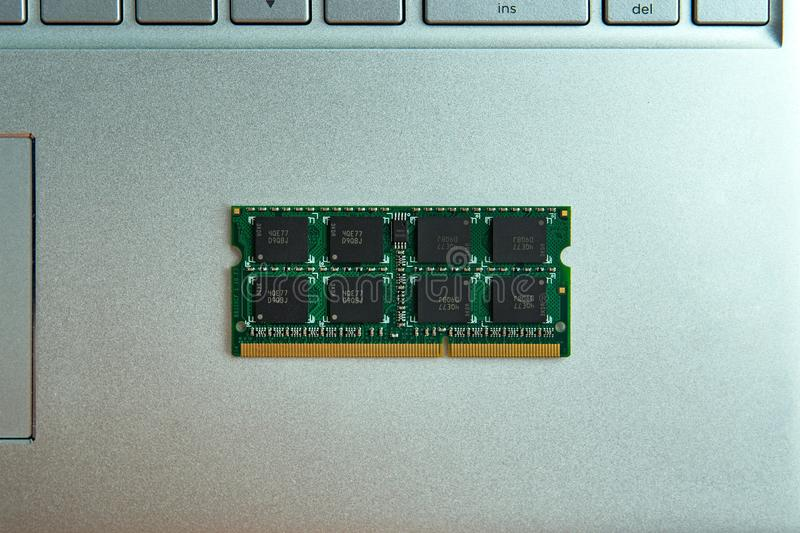 Módulos da memória para a elevação do portátil foto de stock royalty free