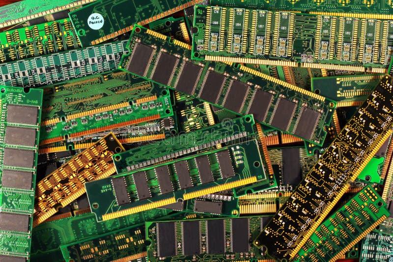 Módulos de la memoria de computadora como fondo microprocesadores de RDA del sdram del simm del dimm foto de archivo libre de regalías