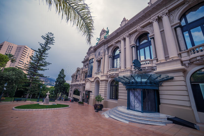 Mónaco: Monte Carlo Casino, teatro magnífico fotos de archivo