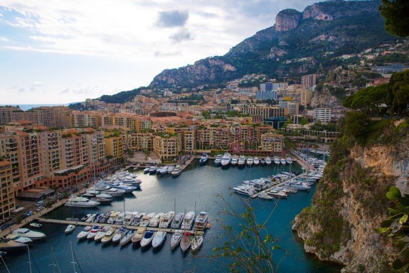 Mónaco, vista panorámica del puerto de Fontvieille Riviera francesa, a fotos de archivo