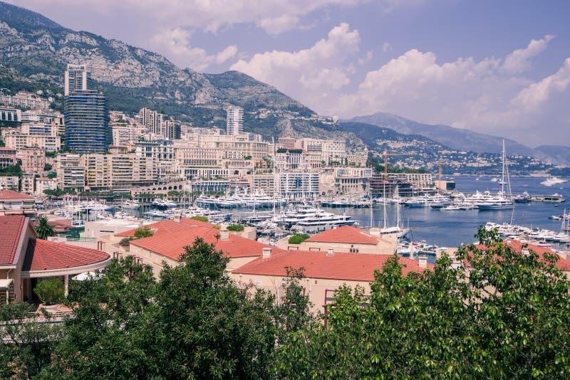 Mónaco y puerto deportivo. imagen de archivo