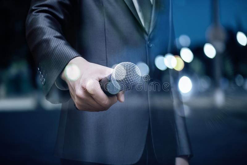 Mówca z mikrofonem obraz royalty free