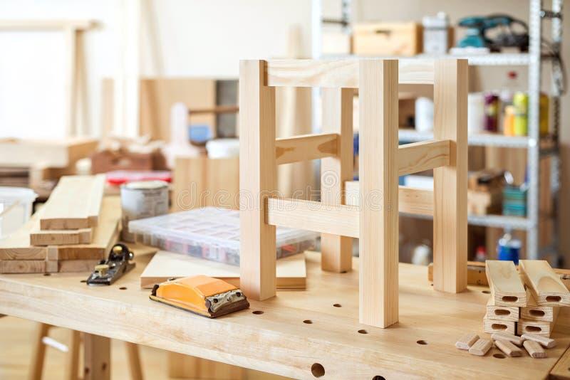 Möbel, die Handwerk machen lizenzfreie stockfotografie