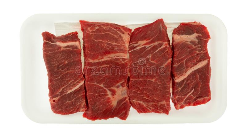 Möbeln Sie knochenloses Steak der kurzen Rippe der Klemme auf einem weißen Schaumbehälter auf lizenzfreies stockfoto