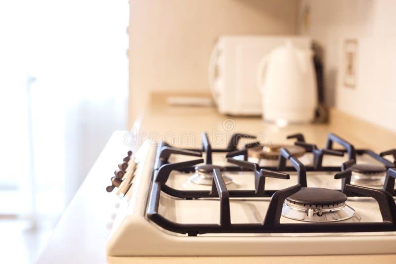 Möblemangbakgrund lyx för gasugn i köket Litet djup av sätter in royaltyfria bilder