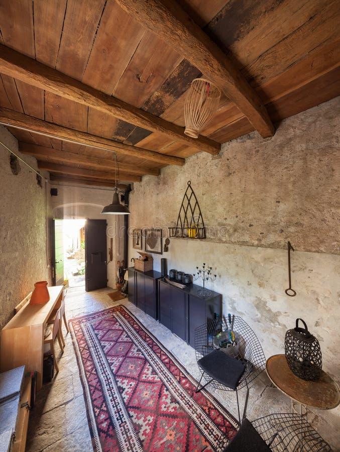 Möblerad hustappning, steningång royaltyfri bild