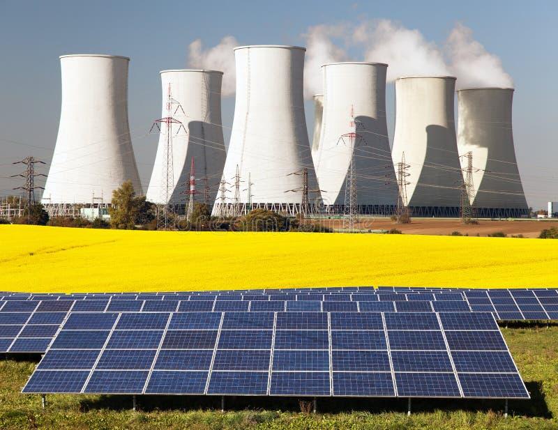 Möglichkeit drei für Produktion der elektrischen Energie lizenzfreies stockbild